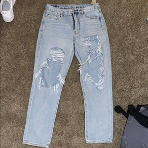 Brand new American Eagle mom jeans